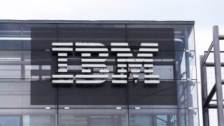 Government gives IBM billion dollar deal