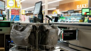 Woolworths tests shopping without the checkout