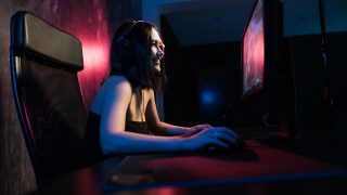 News Bytes: Esports scholarship, cyber pact, Facebook crash
