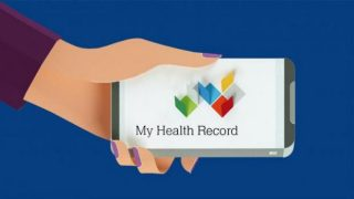 My Health Record crashes as Aussies rush to opt out