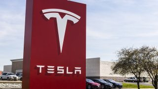 Tesla partly to blame for death crash